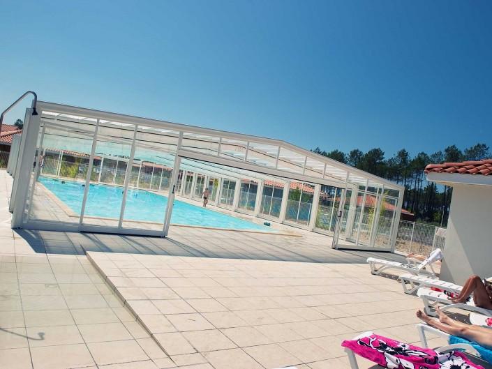 Les espaces aquatiques au grands lacs resort for Residence piscine couverte
